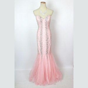 NWT Terani Pink Beaded Mermaid V-Neck Strapless